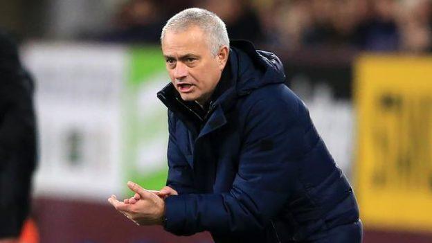 Jose Mourinho Keluhkan Fasilitas Tim Tamu di Old Trafford